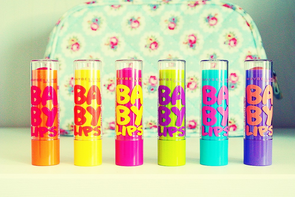 If you want to use lipstick as blusher I do recommended using baby lips because it will moisturise a bit as well as give you a bit of colour on your cheeks.😳😳😳