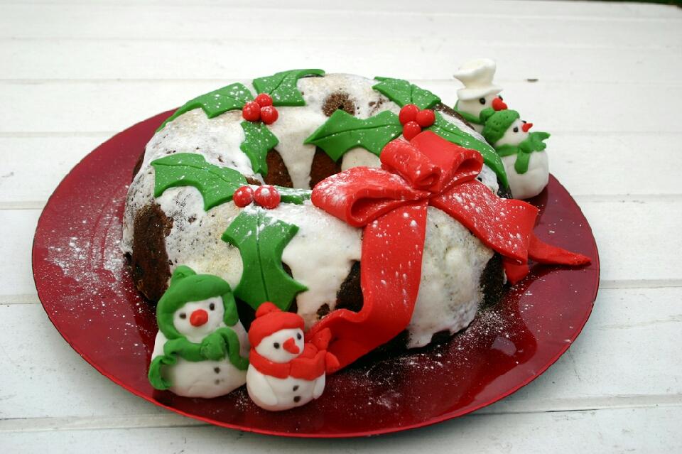 Bundt cake Christmas wreath