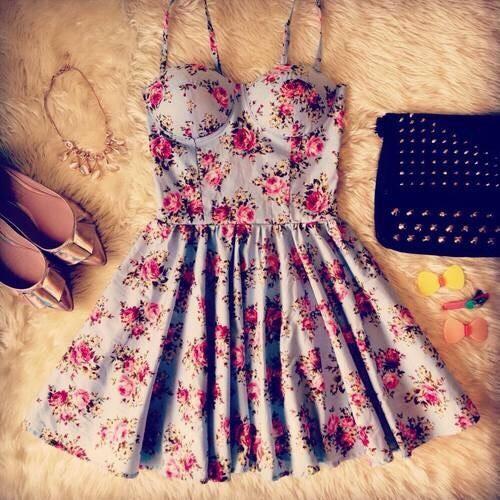•Floral bustier dress •Cute nude flats •Studded black shoulder bag •Gold necklace