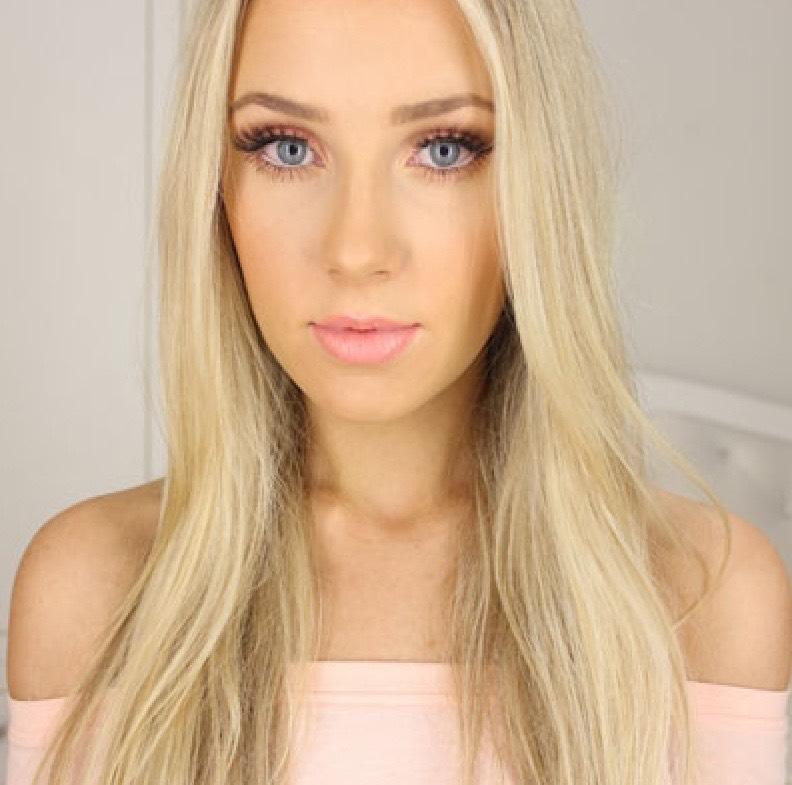 3.Lauren Curtis