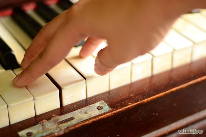 Move finger 1 to the right, and below the other fingers just when your finger 5 starts to go down to hit the G note key.