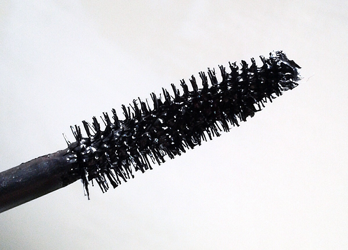 Also dont pump your mascara in and out of the bottle turn it while in the bottle before applying another coat pumping will cause it to clump aswell!