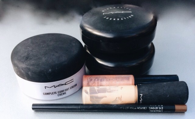 Mac containers for free lipstick