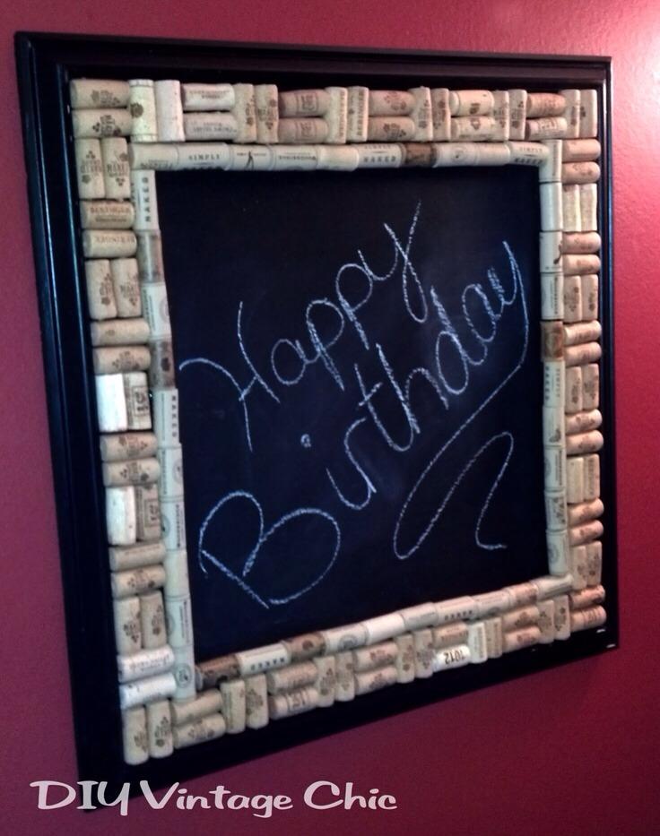 -> DIY Chalkboard with Wine Cork Border.