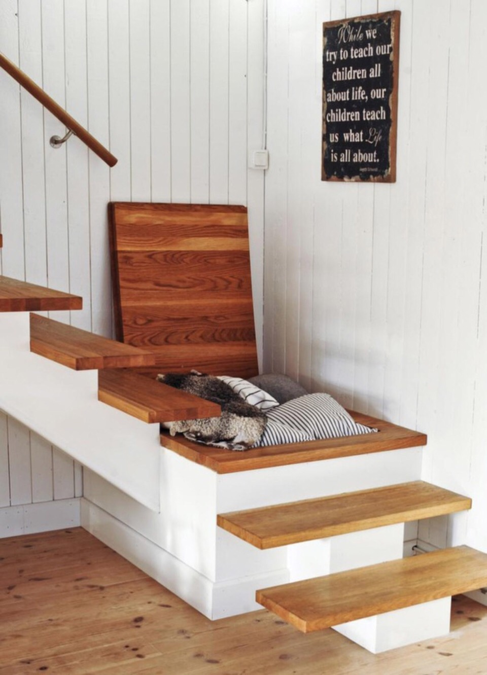 Make use of items that can have storage potential. This can reduce clutter in a room.