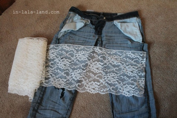 What you will need:   Old pants to repair Lace fabric (or any other desired fabric) Scissors Sewing needle and thread Pins
