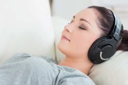 Reading a book or listening to the radio relaxes the mind by distracting it.