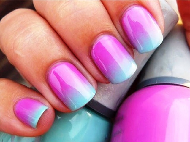 Ombré nails are so simple to do although it looks complicated but these colours are a perfect blend 😊