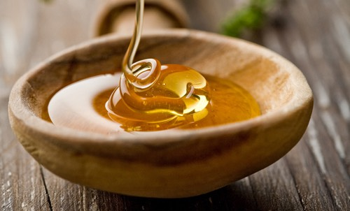 WASH YOUR FACE WITH HONEY  Scoop out some honey with a spoon and put it on your face, wash off with a warm cloth after about a minute or so. Honey is a natural anti-inflammatory and also removes make up with out stripping.