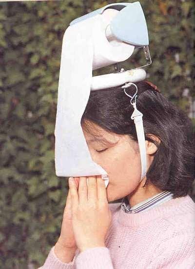 A portable toilet paper hat
