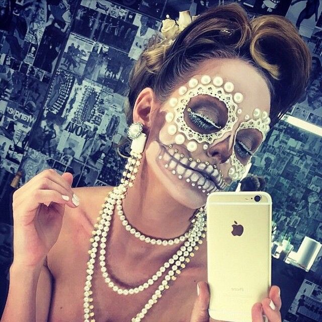Big dramatic Day of the Dead makeup