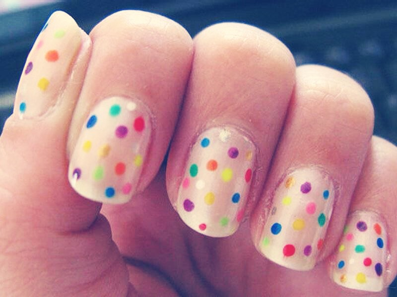 If you don't have a styling tool to do polka dots, use a Qtip or pen! It works.😇