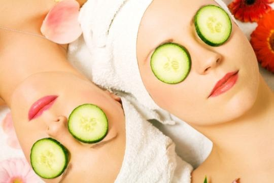1) Place cold cucumbers over your eyes for about 15-20 minutes. The cucumbers should reduce any dark areas around the eyes.