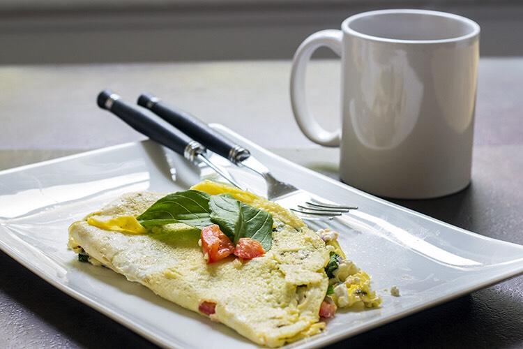 Skinny greek omelette