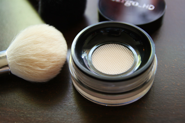 7. Setting powder Finish off your face with a matte setting powder. It will keep the makeup in place, smooth out the skin, and also absorb oil.