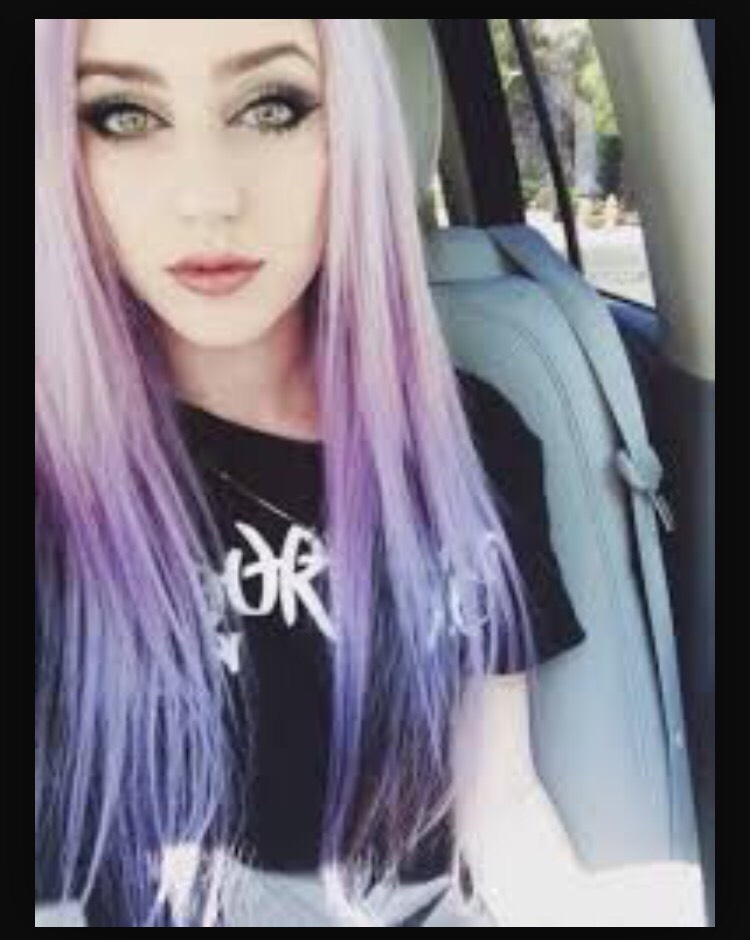 Soft lavender ombré into dark purple