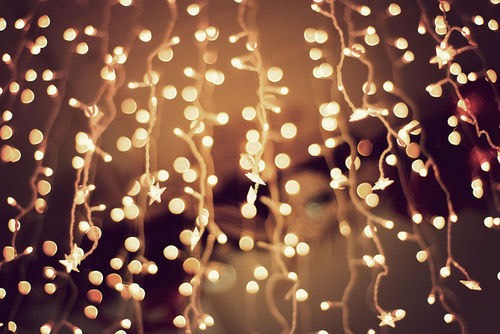 First zigzag your fairy lights across your wall. Hooking them on nails.