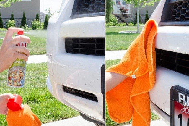 3.Get rid ofdead bugs on the front of yourcar with cooking spray. Applycooking sprayto a car grille and bumper, then use a clean cloth to rub the dead bugs away.
