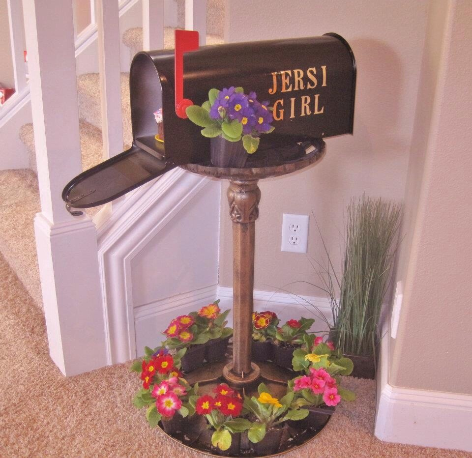 Kids love getting mail!! Personalized indoor mailboxes are super fun with four easy steps!!
