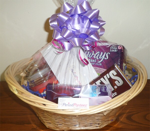 Ideas of hampers to make your girl to make her feel special and cheer her up
