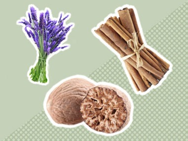 #3 1 cup dried lavendar, 1 tsp anise, 1 tblspn nutmeg, 1 tablspn whole cloves, 1 cinnamon stick:)