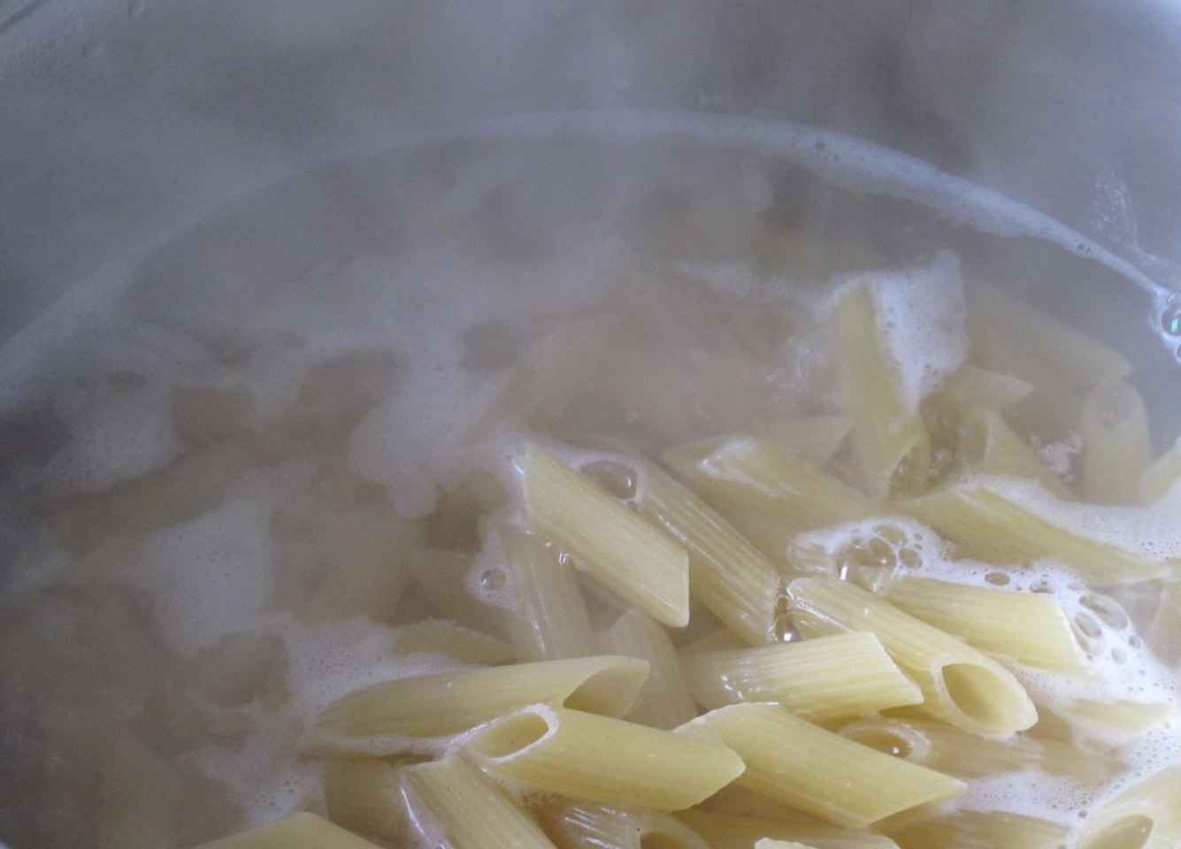 Once the pasta is ready drain the water n place pasta in a bowl