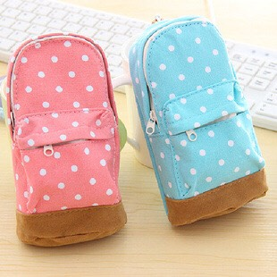 •1• First of all, find a cute pouch for all your stuff for the kit. If you don't want to use the pouch you can use a cute purse or bag.