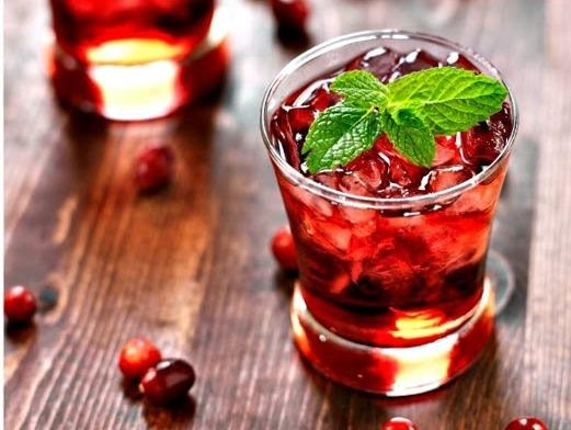 You can also make this tea a little extra minty by adding a small sprig of fresh mint to the top of the glass. Serves 6