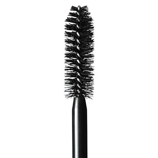 When you finish your mascara, keep the wand and use it as an extra eyebrow comb💆