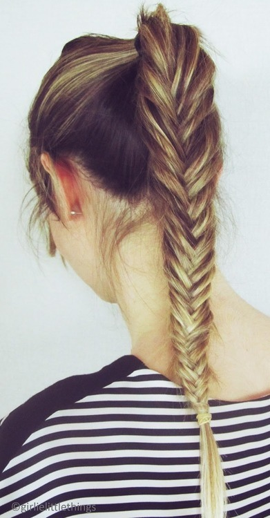 A fishtail ponytail looks so cool😄