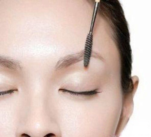 Step 1 comb through eyebrows