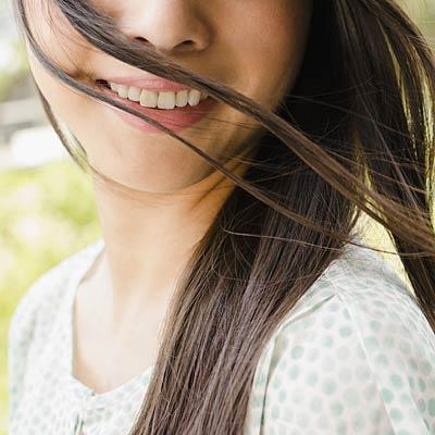 Cedarwood for hair loss and skin irritation Blended with rosemary, thyme, lavender and a carrier oil and rubbed into the scalp, it can help with hair loss—in one study, 44 percent of women saw new growth. Or pair with melted coconut oil to soothe eczema.