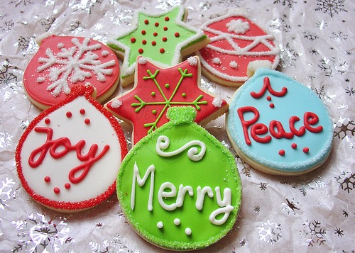 Sugar cookies are extremely easy to make but if your not good at all in the kitchen I'd prefer you going to any close by bakery the next tips are pretty easy and less baking needs ❤️