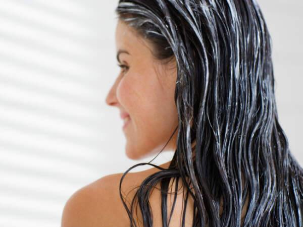 Step 4⃣ Spritz all over hair when wet, (perhaps after a shower?) and leave for a few minutes, until your hair is partly naturally dried. Then rinse out.