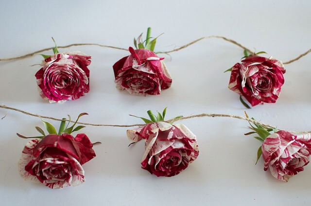 Unravel the twine and lay the flowers out so you can evenly space them.