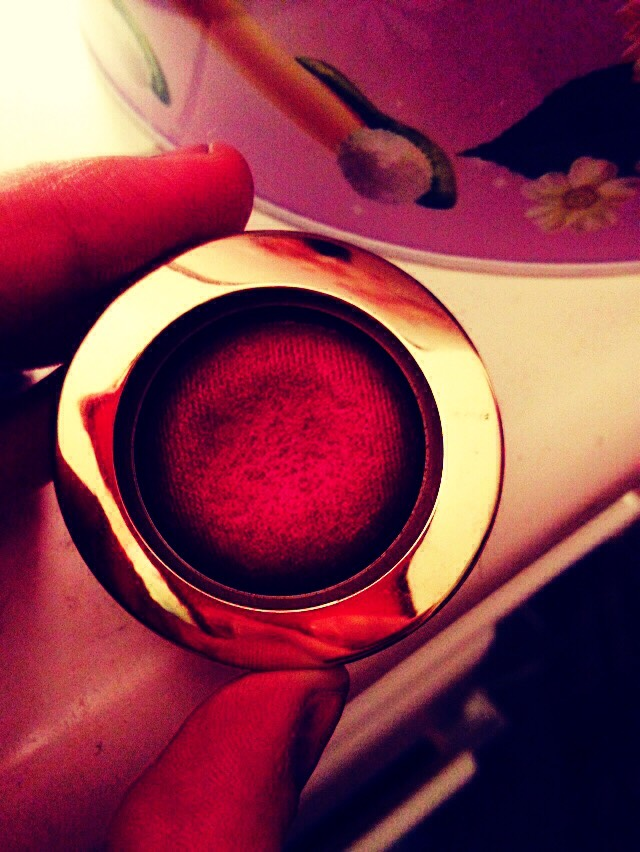 How to make ur OWN LIPSTICK/lipgloss  First you need eyeshadow any color darker for better results