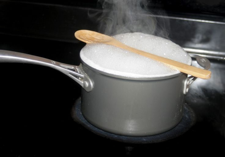 Put a wooden spoon over a pot of boiling water and won't boil over!