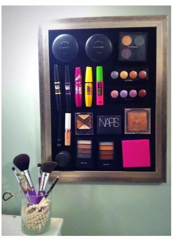 Magnetic make up board!