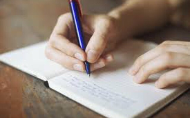 2. Write down 10 questions you want to answer in book Each of these questions will become your book chapters. Since most books have 10 chapters you can add more if you'd like, but you don't have to. Now you should have a book title and a list of questions which will become the chapters of your book