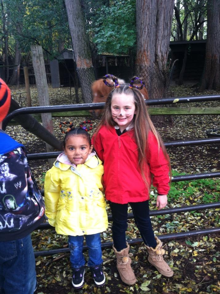 My 3 year old Mya and 6 year old Nalani 💜