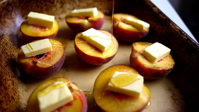 Drizzle honey over the top. Be as generous as you like, but remember peaches are already quite sweet so don't go crazy.