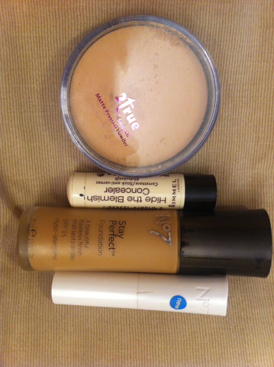 No7 Foundation on Honey only £12 from Boots. I was so glad to find this as I usually spend over £30 on foundation.  No7 concealer in Honey for only £6 at Boots. usually I spend £12 Rimmel concealer on honey from boots £3 2true pressed powder for £1 from PoundShop