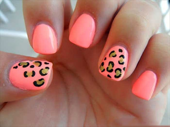 Lepors print nails are a wild look!