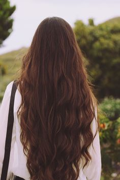 These are just some tips and tricks to growing long, gorgeous hair fast😋
