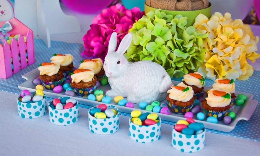 Make some Easter treats! You and your kids can make some yummy Easter treats then taste test them!