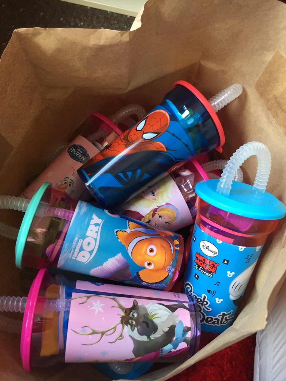 In the end..i made 16 in total.. the cost you ask? well.. the cups were from poundland = £16 (16cups) the sweets were also all from poundland = 2x10 packof choccy dips = £2 2xharibo packs =£2 balloons(pack of 30) = £1 pack of 150 stickers = £1 2x7 pack of kitkat = £2 TOTAL = £25 for 16!