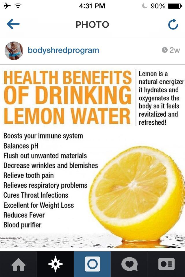🍋when life hands u lemons.... Make lemon water:)