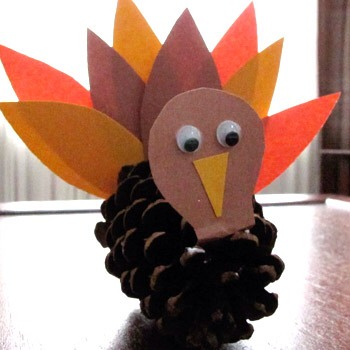 With felt, a pine cone, glue and two eyes, you can make a Pine Cone Turkey! I think these would be so cute as place cards at a dinner party! They make the perfect craft for kids!