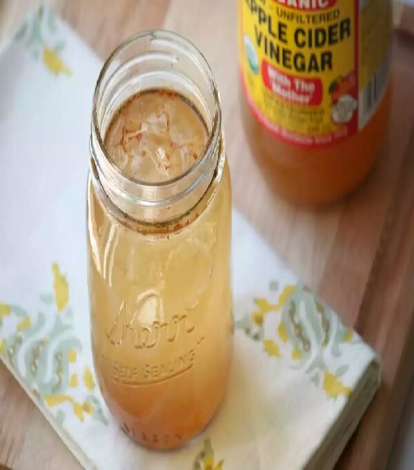 For daily weight management, add 2 teaspoons of apple cider vinegar to 16 ounces of water. This concoction can be sipped throughout the day. Data shows some limited, yet significant, weight loss benefits from sustained daily intake of acetic acid (which is a main ingredient in apple cider vinegar).  In a 2009 study published in Bioscience, Biotechnology, and Biochemistry, it was found that subjects that consumed acetic acid for 12 weeks experienced significant declines in body weight, abdominal fat, waist circumference and triglycerides. Triglycerides contribute to the bad cholesterol that we want to avoid.