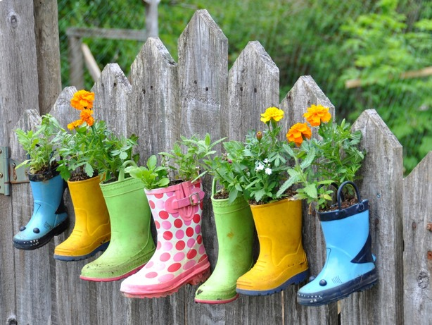 Use old welly boots as plant pots